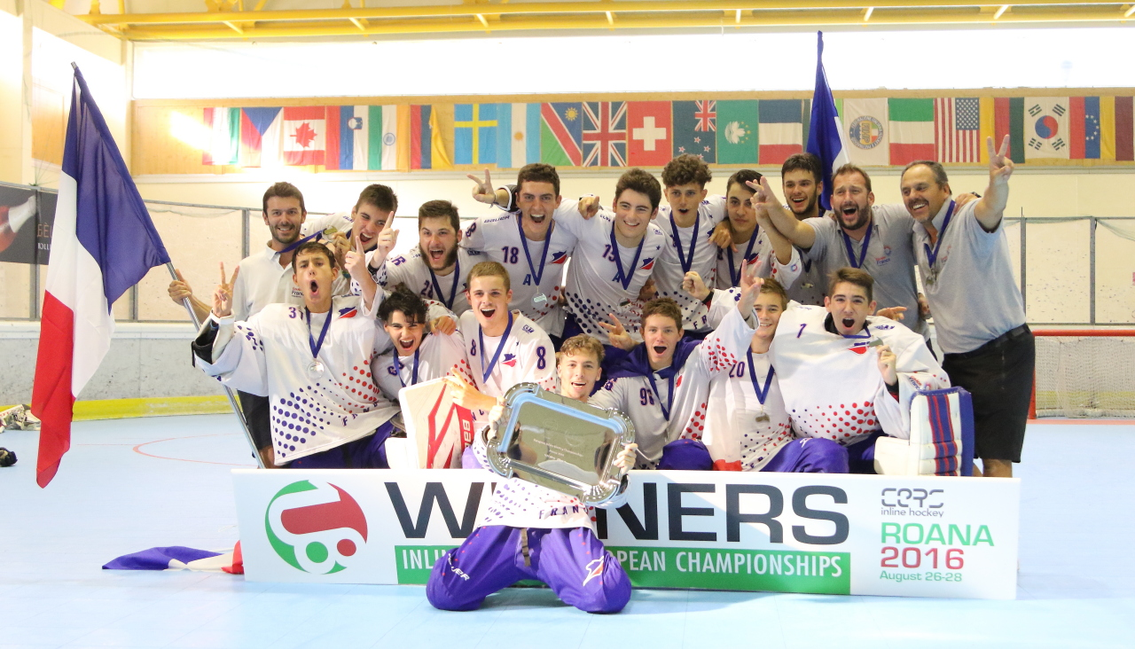 Espoirs champions Europe 2016 - photo FFRoller